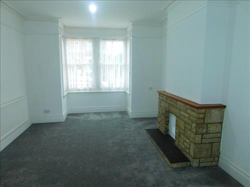 4 bed house to rent in Epple Bay Road, Birchington 4