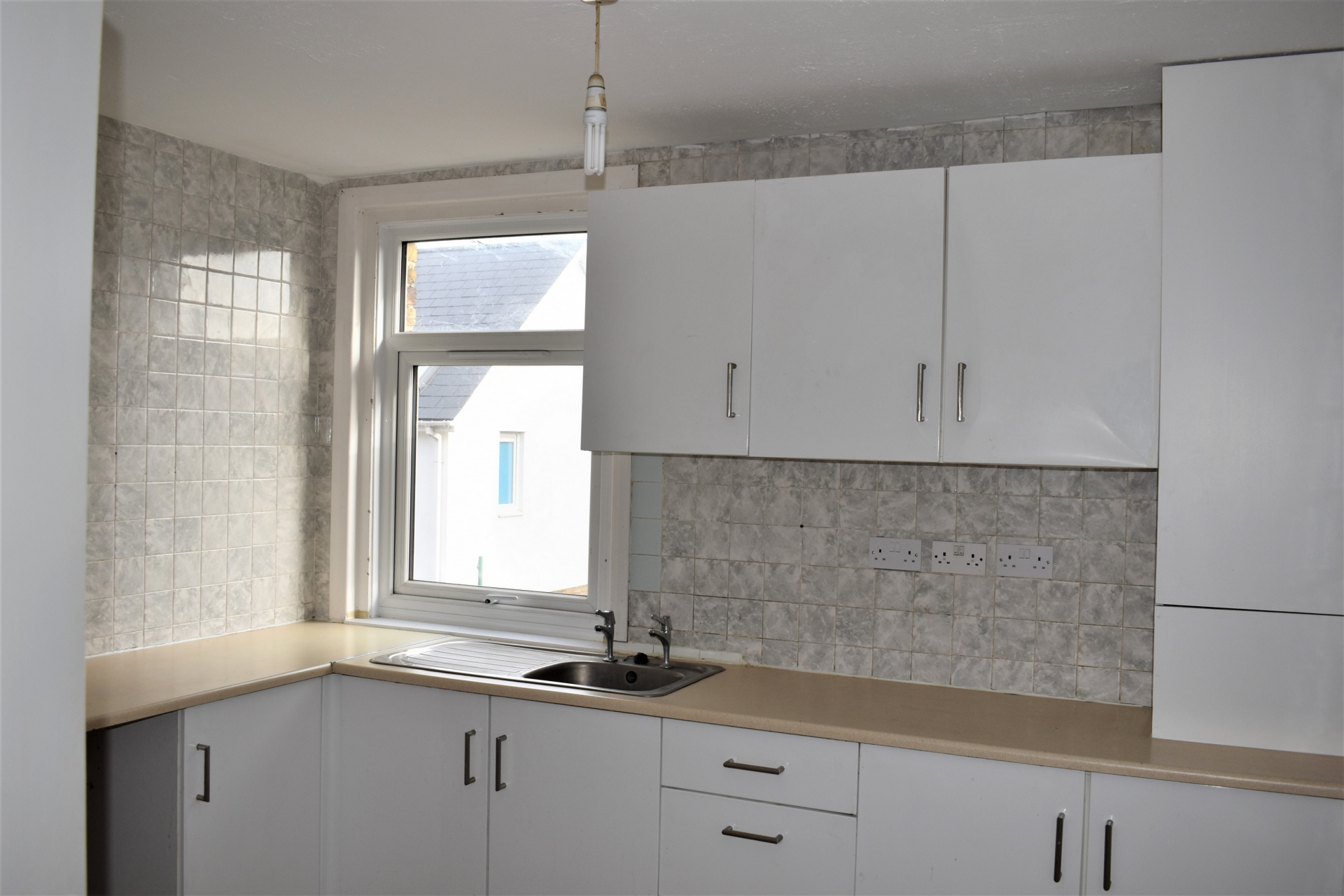 4 bed flat for sale in Harold Road, Margate 5