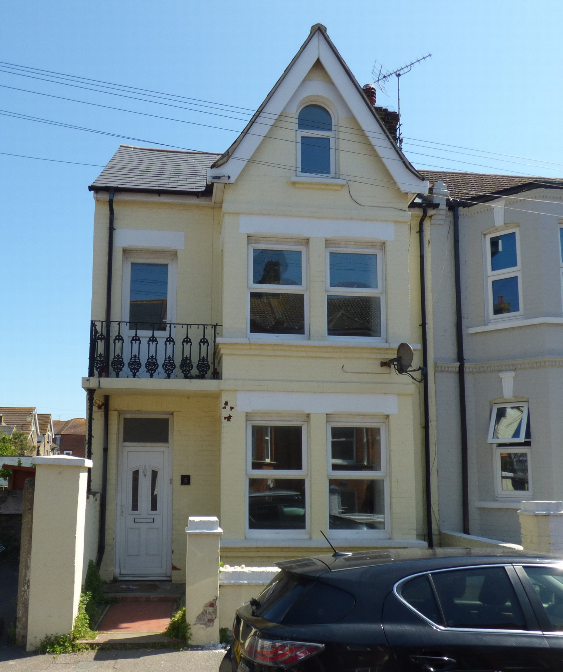 4 bed end of terrace house for sale in Crescent Road, Margate, CT9