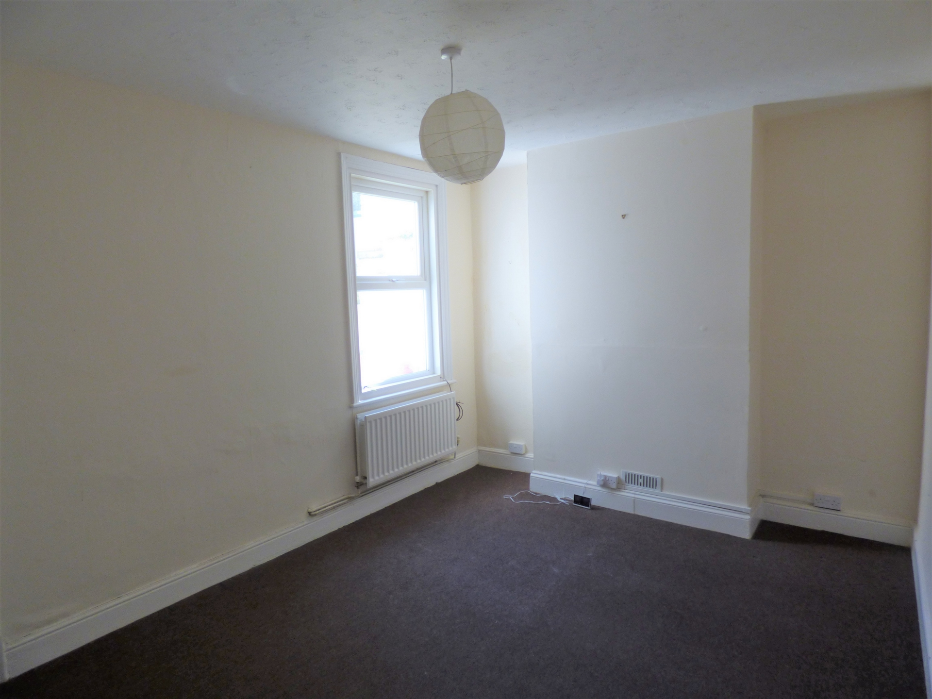 4 bed end of terrace house for sale in Crescent Road, Margate  - Property Image 3