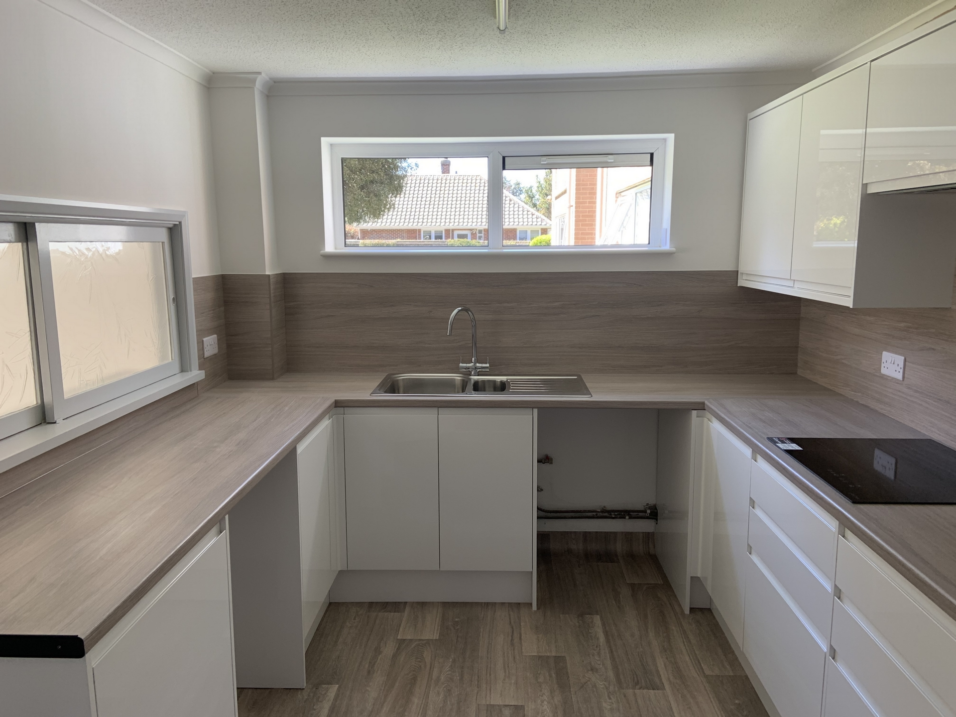 2 bed flat to rent in Geoffrey Court, Alpha Road 1