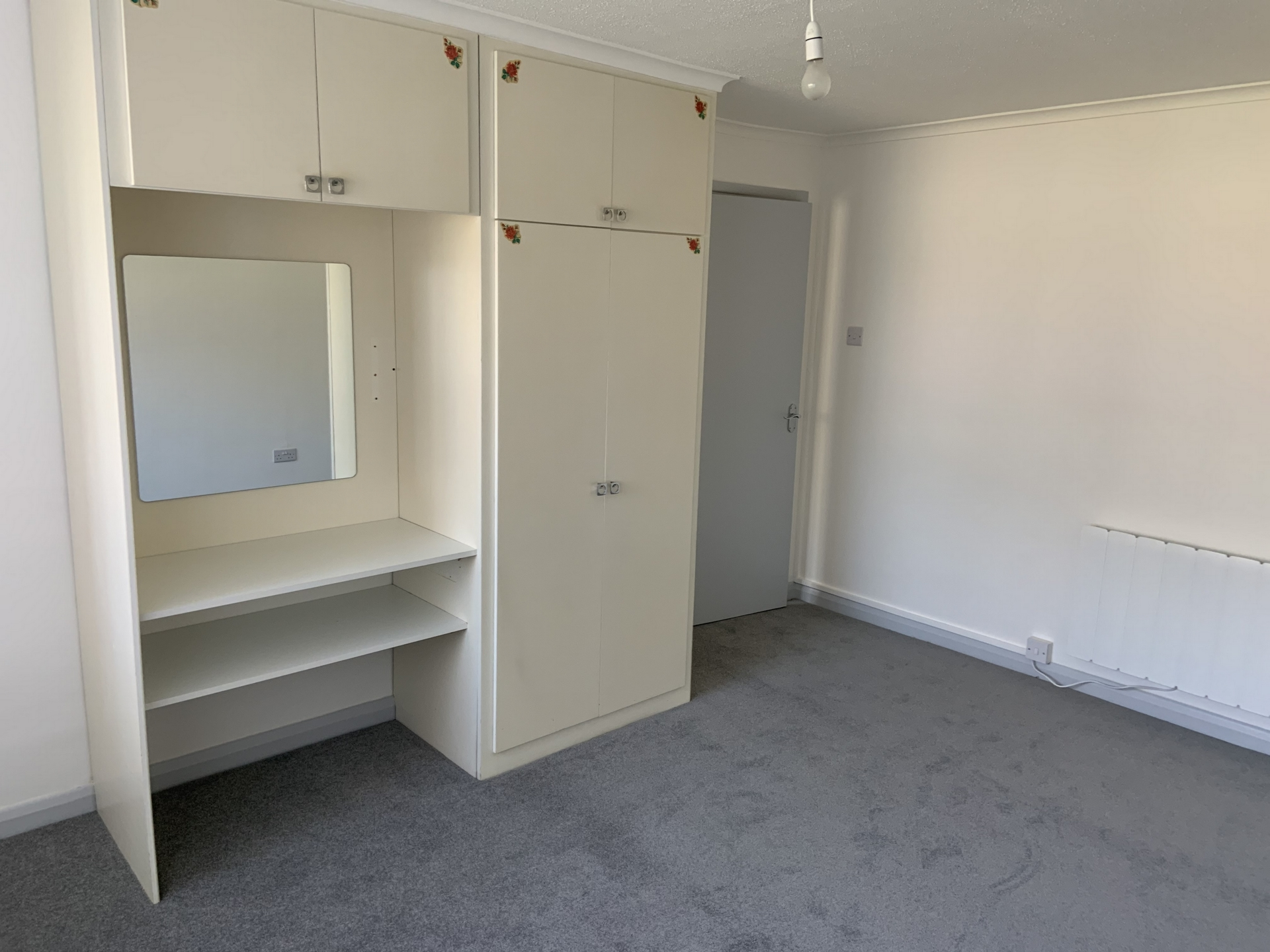 2 bed flat to rent in Geoffrey Court, Alpha Road  - Property Image 5