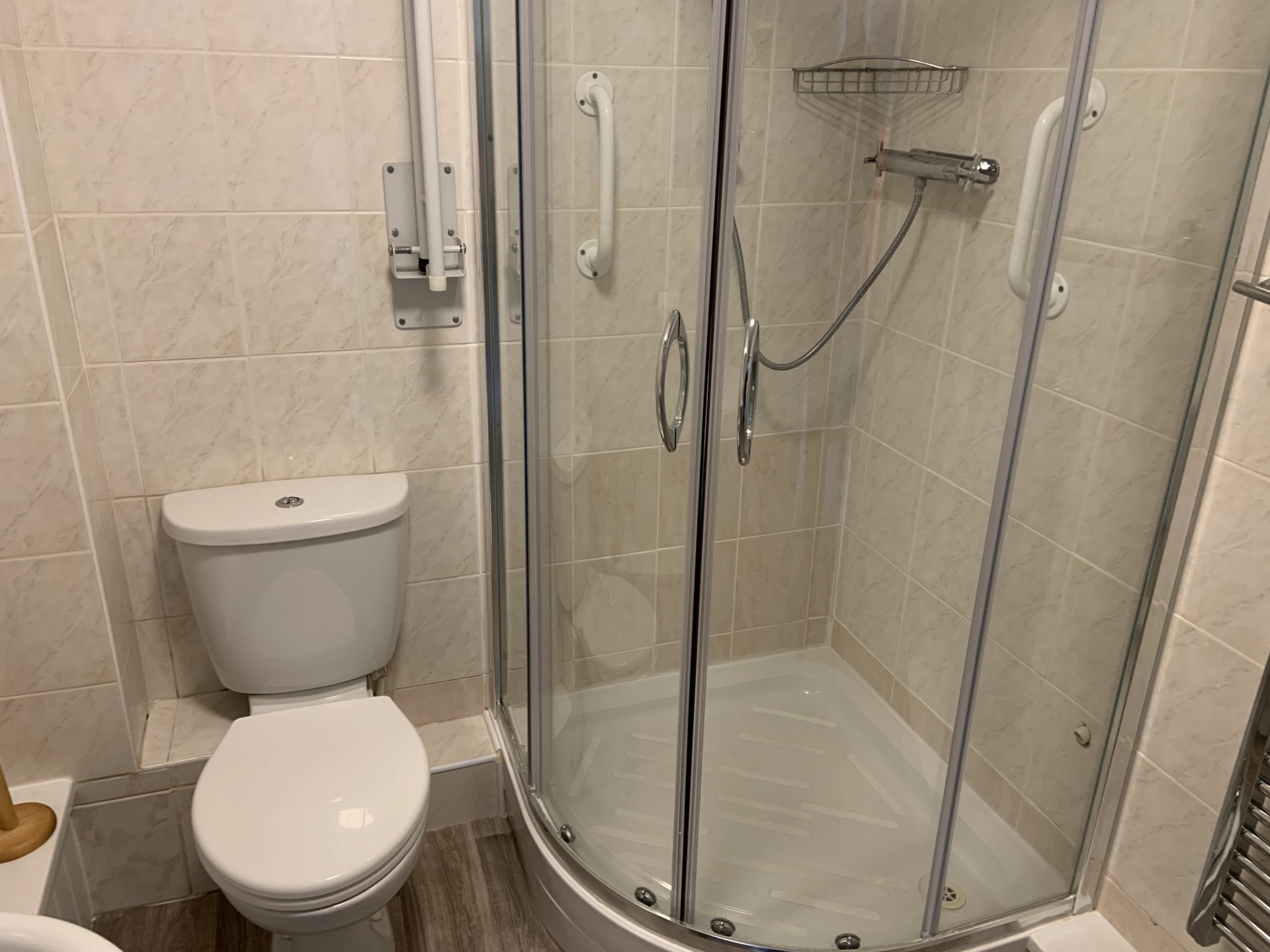 2 bed flat to rent in Geoffrey Court, Alpha Road 8
