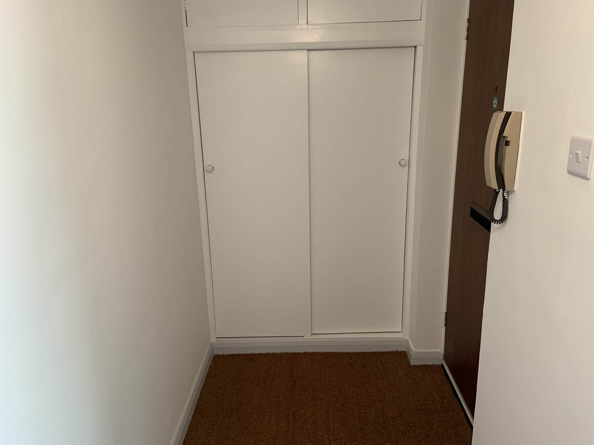 2 bed flat to rent in Geoffrey Court, Alpha Road 9