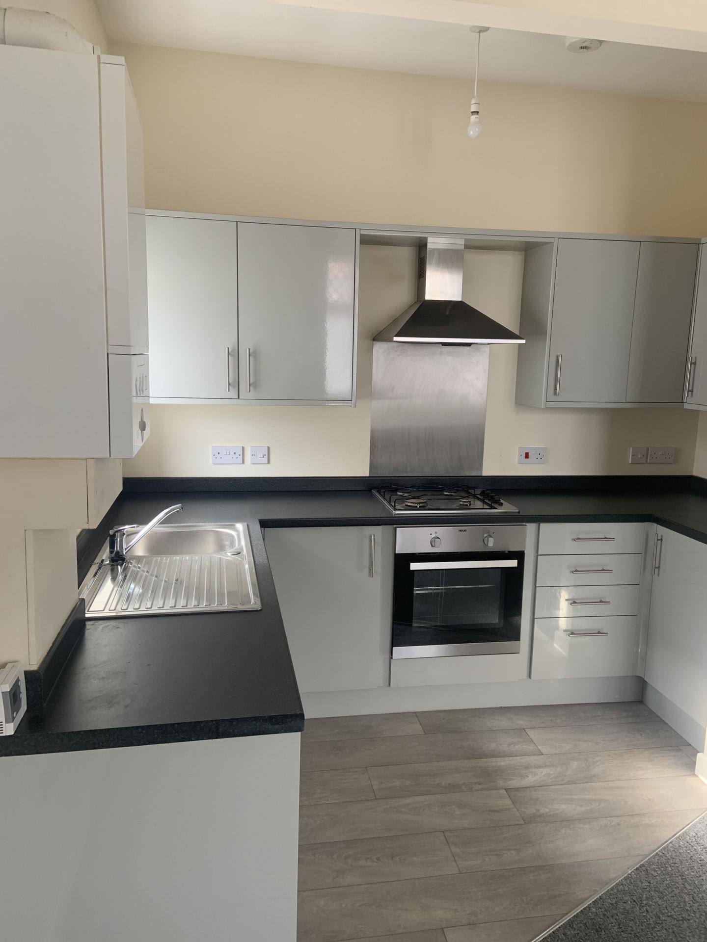 2 bed flat to rent in High Street, Broadstairs, CT10