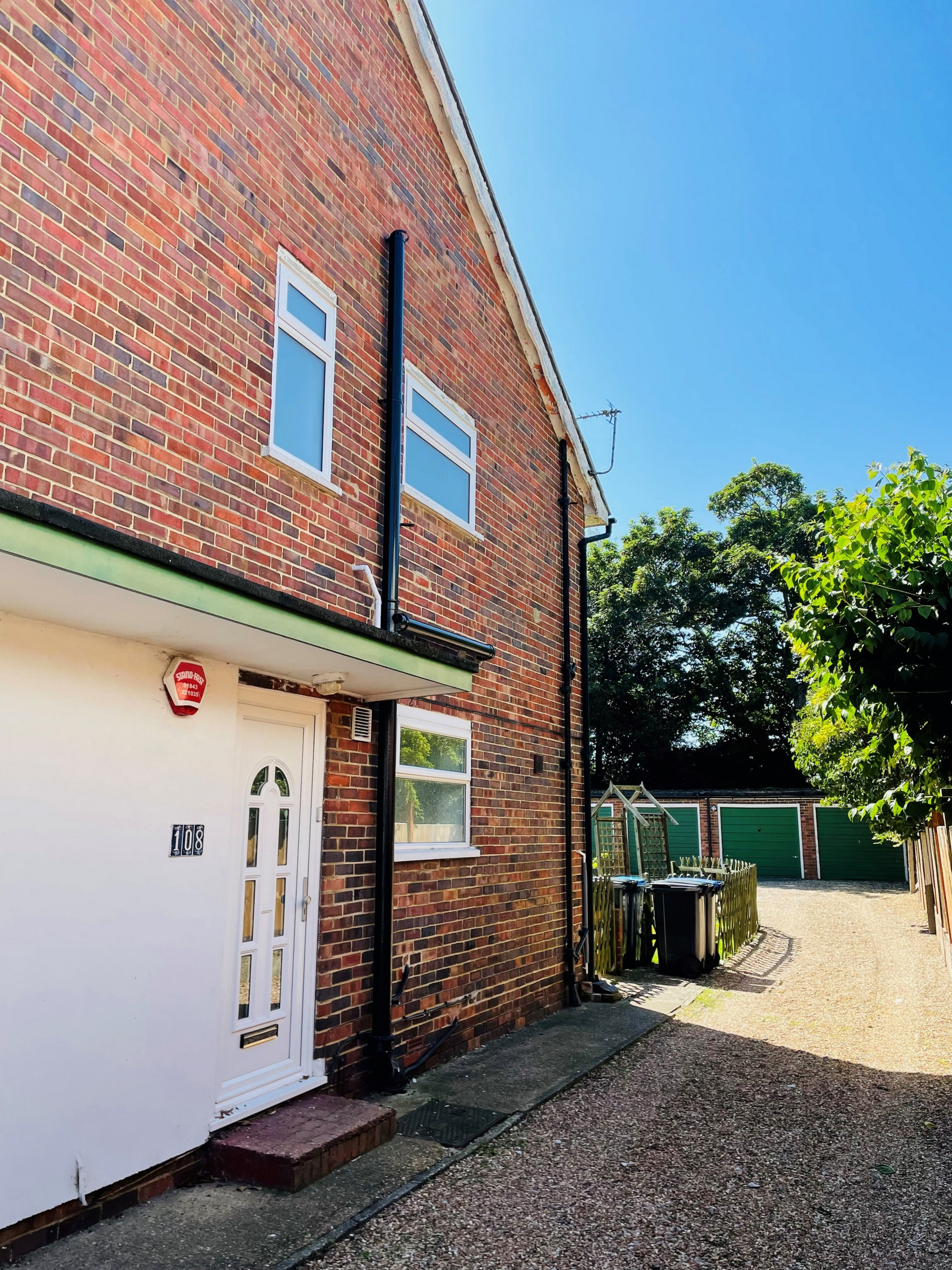 2 bed flat to rent in Gladstone Road, Broadstairs  - Property Image 1