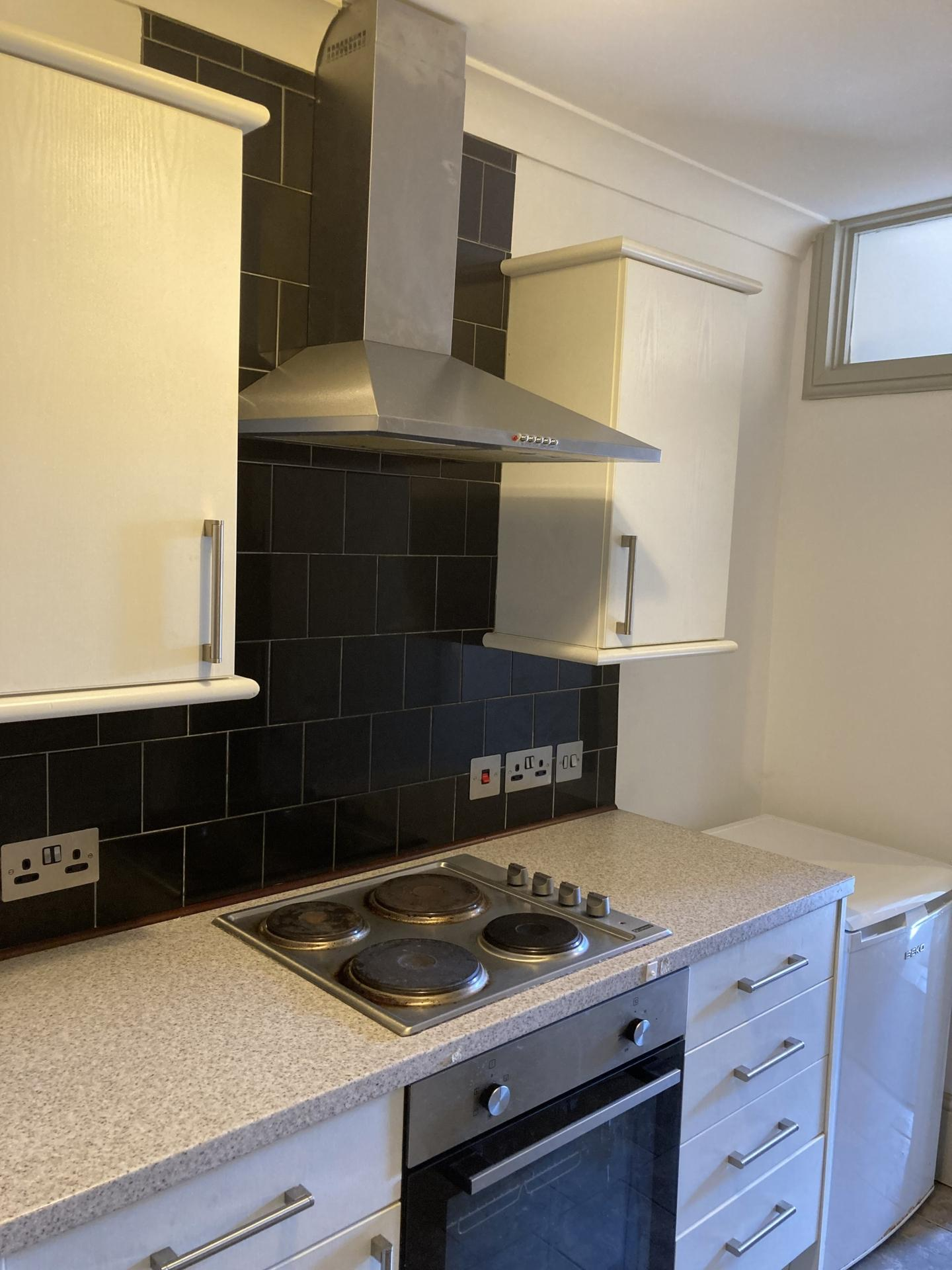 2 bed flat to rent in Victoria Parade, CT10