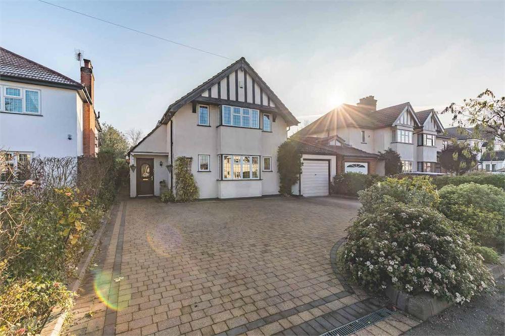6 bed house for sale in Syke Ings, Richings Park, Buckinghamshire, Richings Park, SL0
