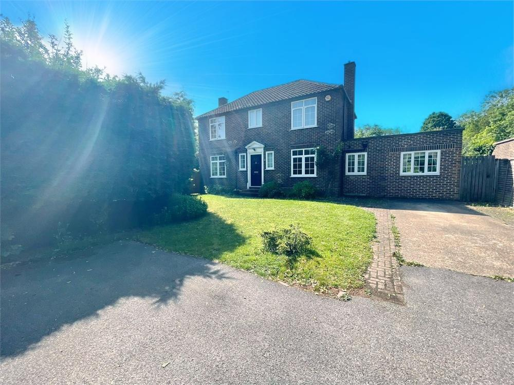 4 bed house to rent in The Paddock, Datchet, Berkshire, Datchet, SL3