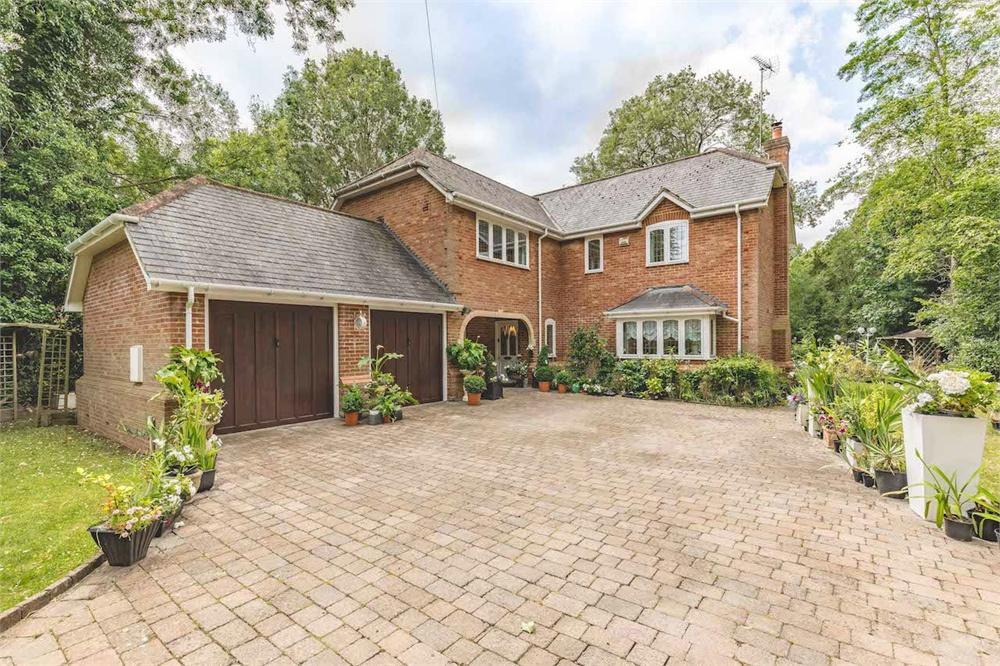 5 bed house for sale in Park Lane, Horton, Berkshire, Horton, SL3