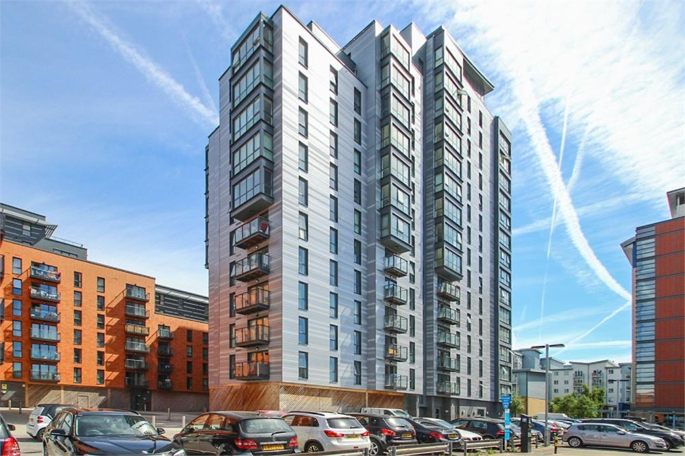 2 bed apartment to rent in Railway Terrace, Slough, Berkshire, Slough, SL2