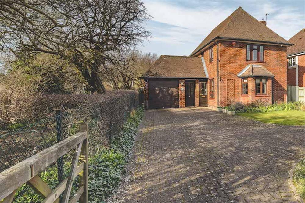 4 bed house for sale in Slough Road, Iver Heath, Buckinghamshire, Iver Heath, SL0