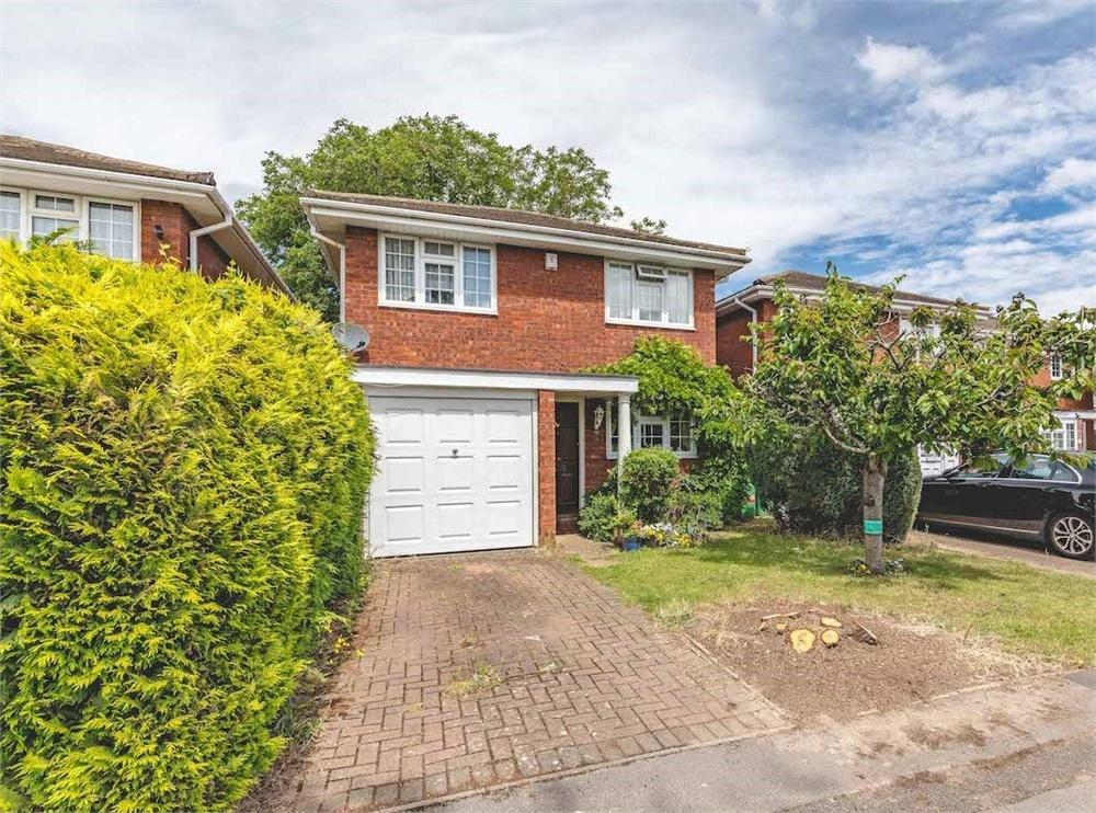 4 bed house for sale in Lambert Avenue, Langley, Berkshire, Langley, SL3