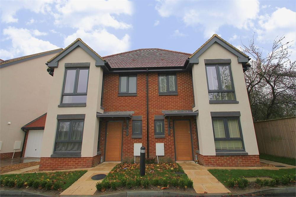 3 bed house to rent in Apsley Walk, Richings Park, Buckinghamshire, Richings Park, SL0