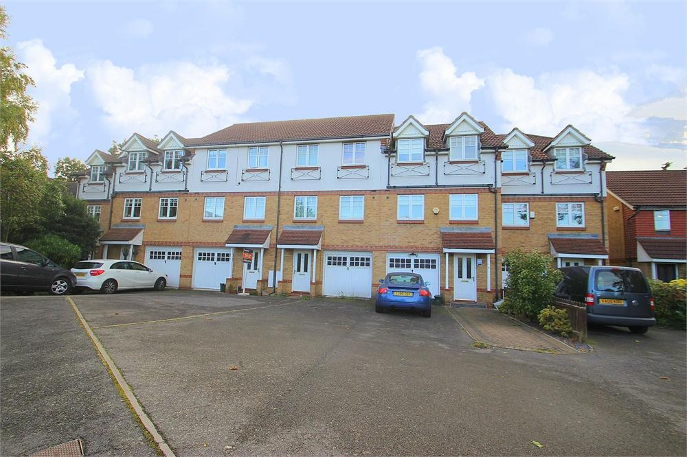 3 bed house to rent in Lantern Way, West Drayton, Middlesex, West Drayton, UB7