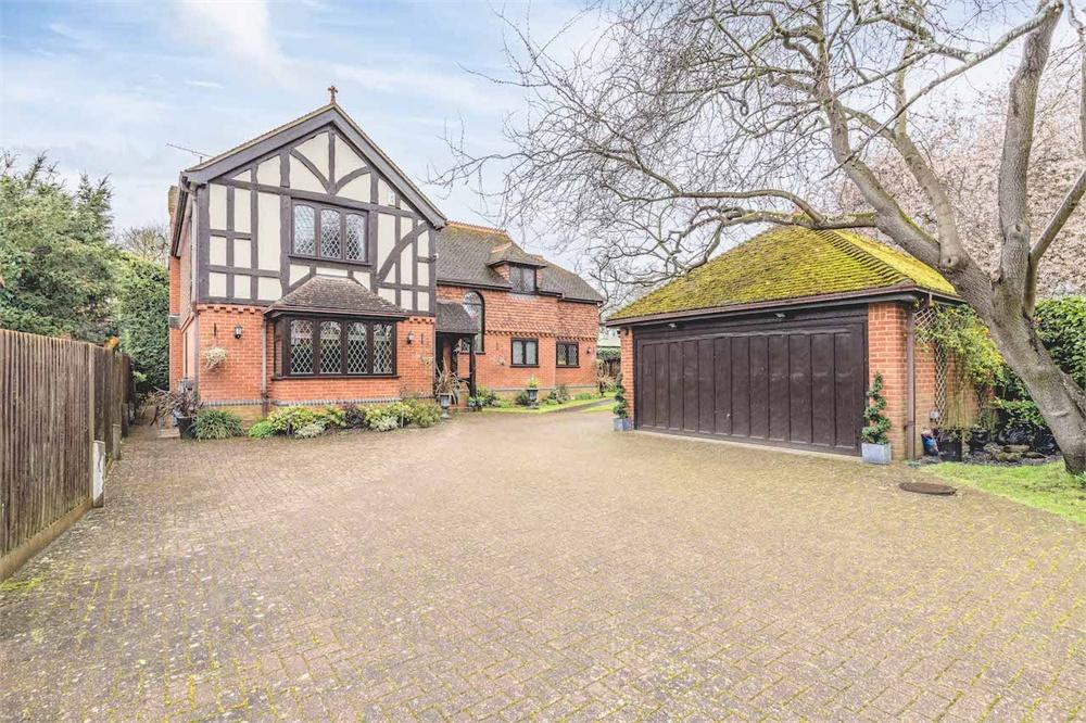 4 bed house for sale in The Avenue, Datchet, Berkshire, Datchet, SL3