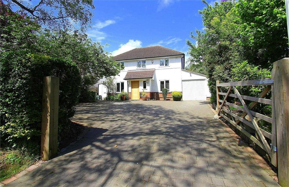 5 bed house to rent in Richings Way, Richings Park, Buckinghamshire, Richings Park, SL0