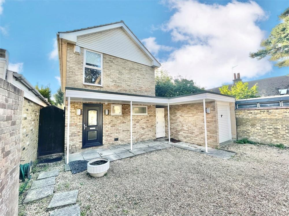 3 bed house to rent in Park Street, Colnbrook, Berkshire, Colnbrook, SL3