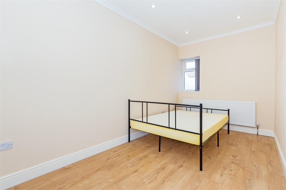 Apartment to rent in Martin Road, Slough, Berkshire, Slough, SL1