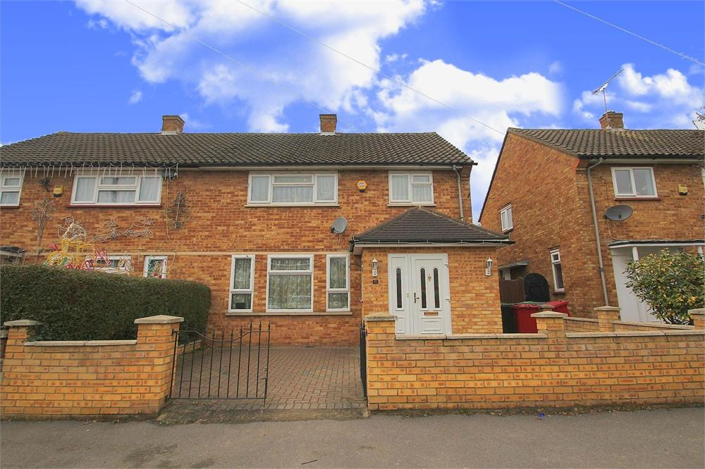 3 bed house to rent in Stile Road, Langley, Berkshire, Langley, SL3