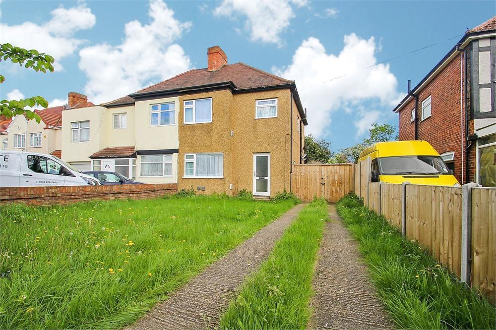 4 bed house to rent in Hatch Lane, Harmondsworth, West Drayton, Middlesex, West Drayton, UB7