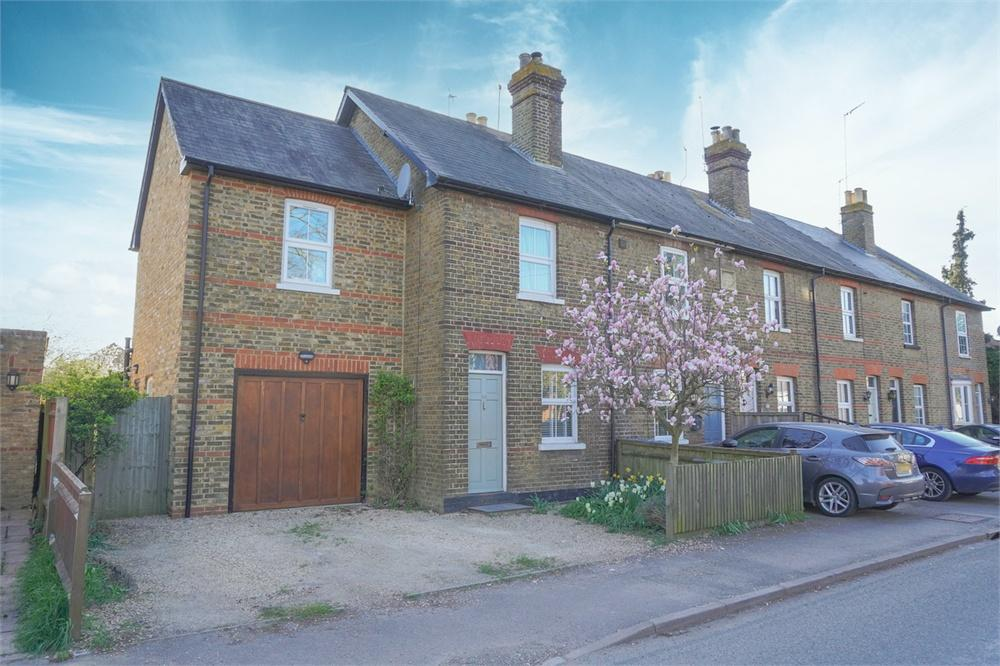 3 bed  for sale in Horton Road, Datchet, Berkshire, Datchet, SL3