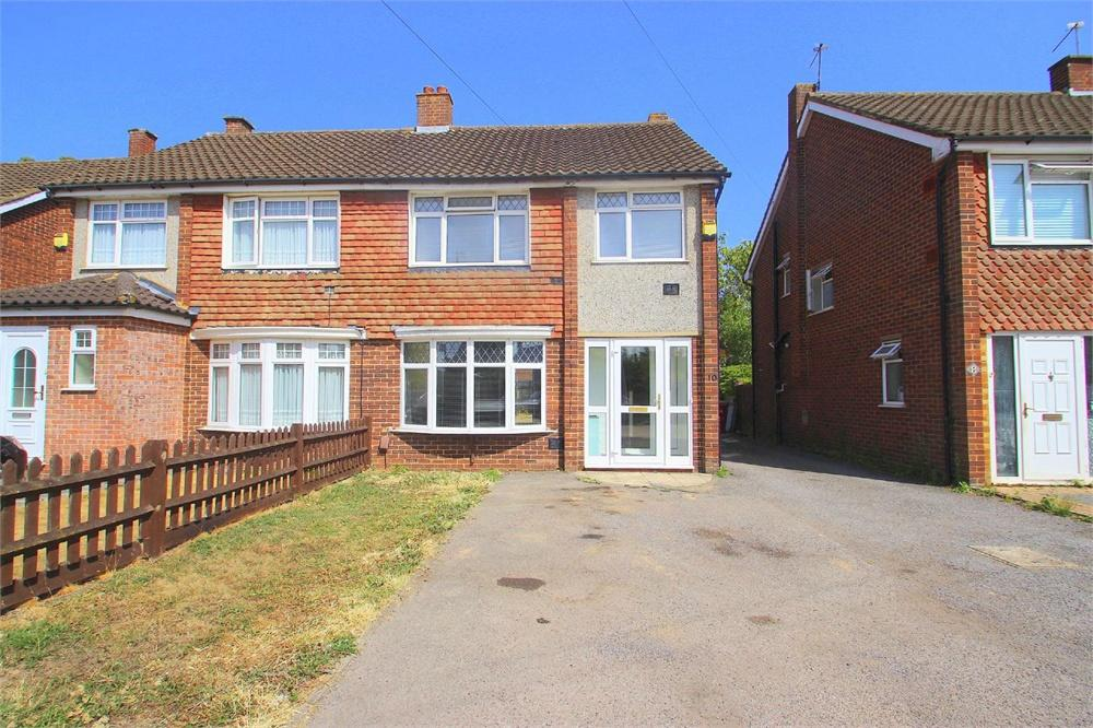 3 bed house to rent in Coleridge Crescent, Colnbrook, Berkshire, Colnbrook, SL3