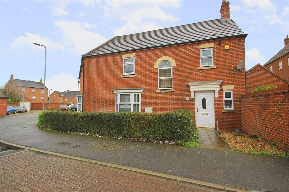 3 bed house to rent in Shaw Gardens, Langley, Berkshire, Langley, SL3