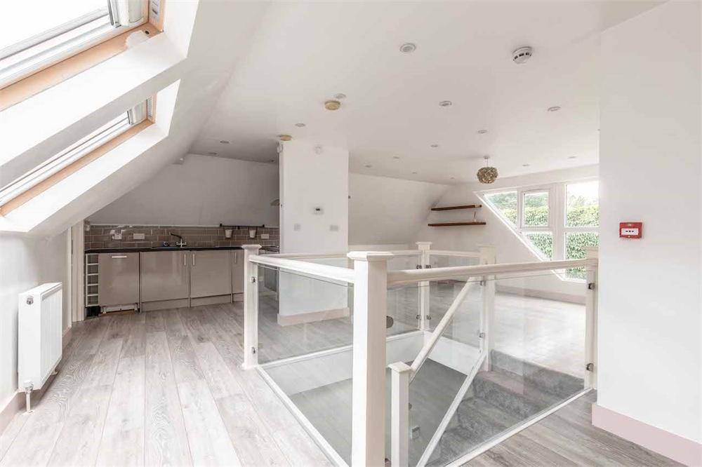 2 bed apartment to rent in High Street, Iver, Buckinghamshire, Iver, SL0