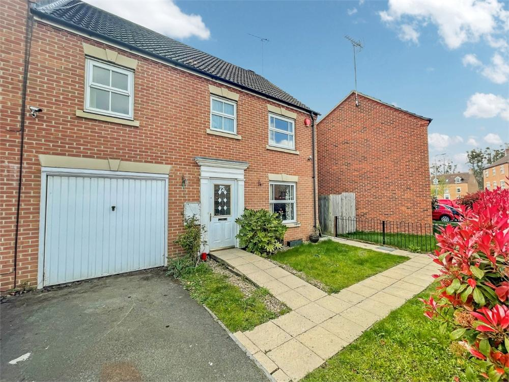 4 bed house to rent in Olivia Drive, Langley, Berkshire, Langley, SL3