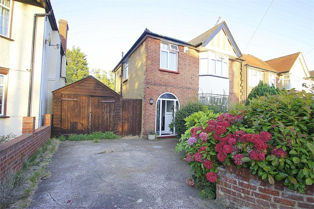 3 bed house to rent in Quaves Road, Langley, Berkshire, Langley, SL3