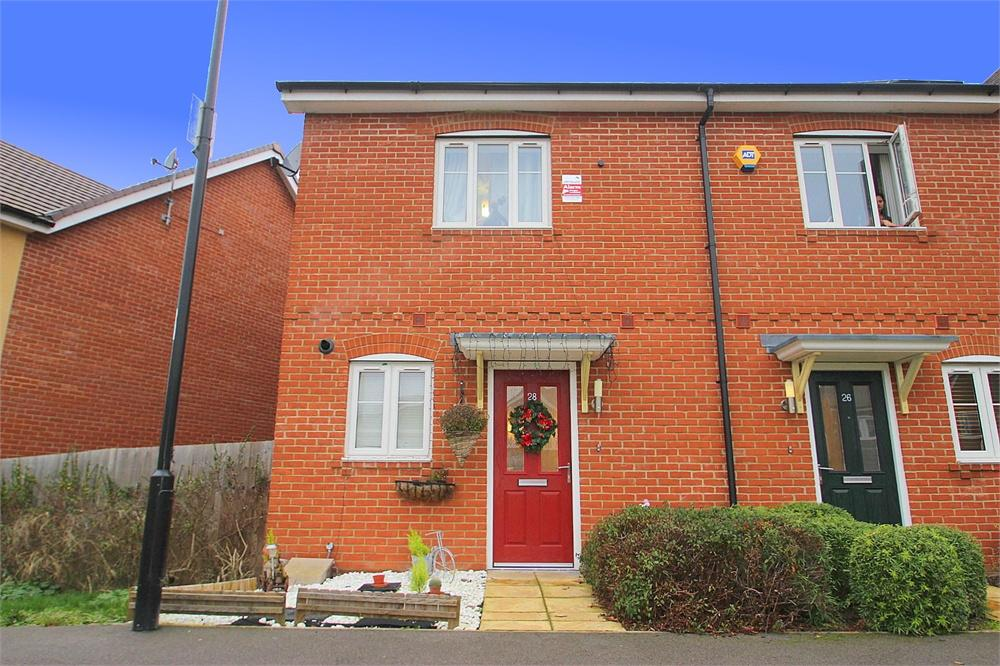 2 bed house to rent in Starling Crescent, Langley, Berkshire, Langley, SL3