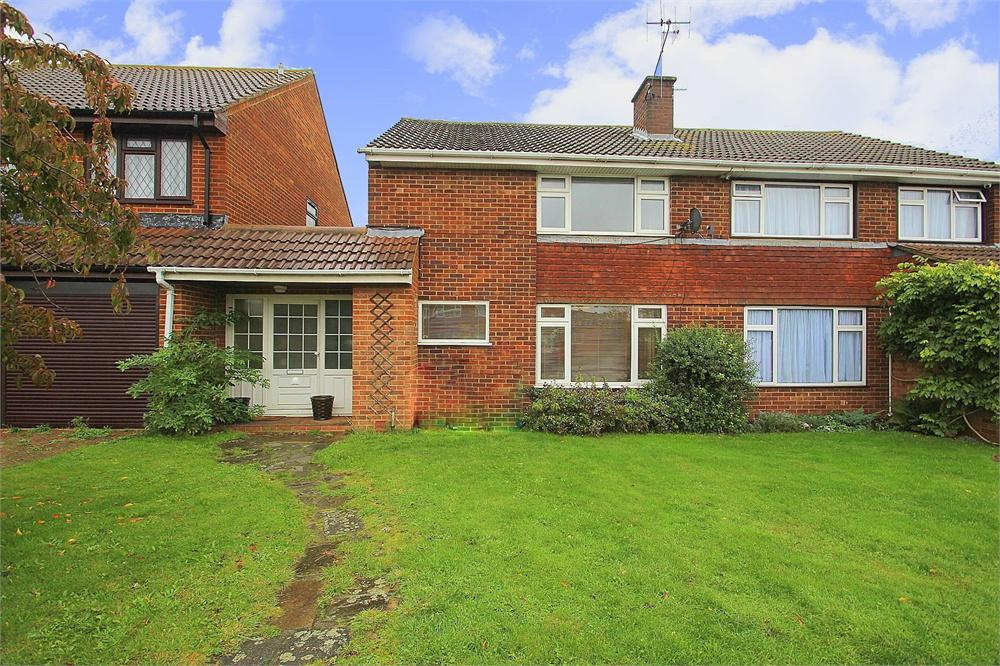 3 bed house to rent in Burroway Road, Langley, Berkshire, Langley, SL3