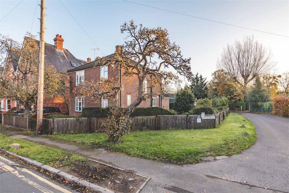 3 bed house for sale in Montagu Road, Datchet, Berkshire, Datchet, SL3