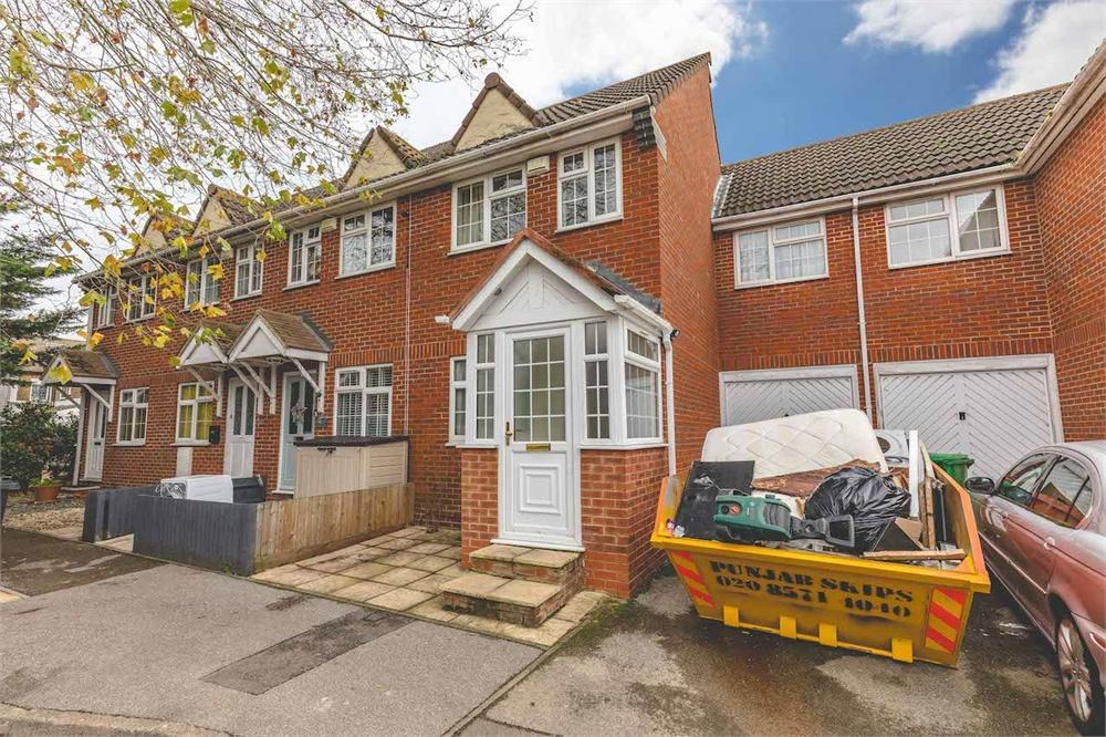 3 bed house for sale in Howard Mews, Laburnum Grove, Langley, Berkshire, Langley, SL3