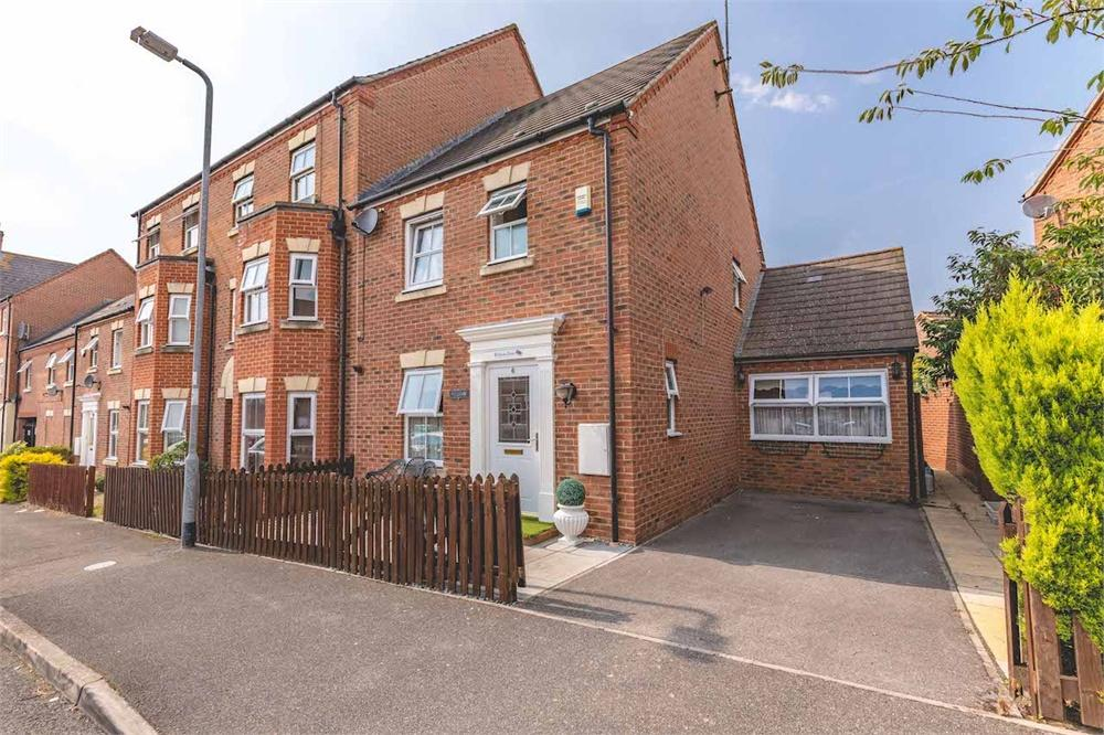 4 bed house for sale in Olivia Drive, Langley, Berkshire, Langley, SL3