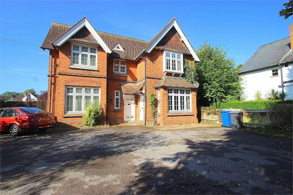 2 bed house for sale in Slough Road, Datchet, Berkshire, Datchet, SL3