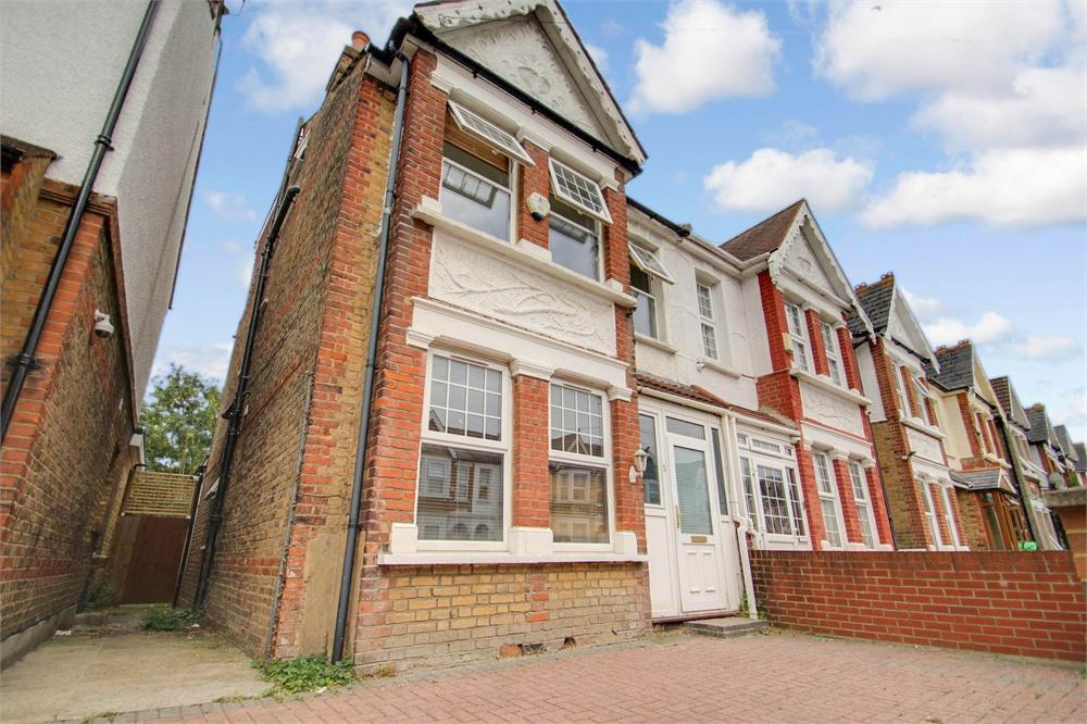 4 bed house to rent in Brandville Road, West Drayton, Middlesex, West Drayton, UB7