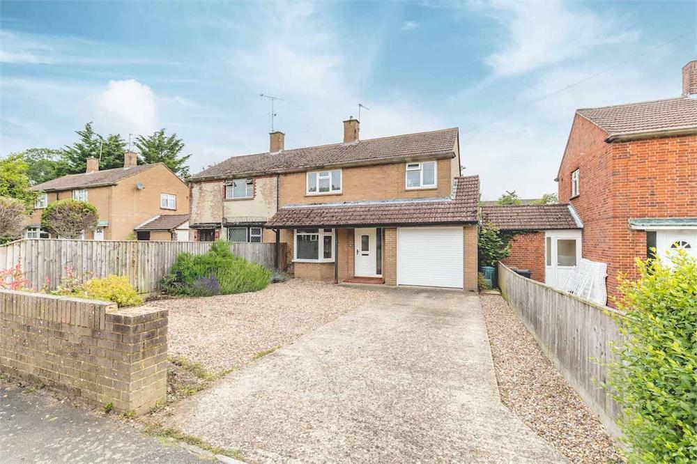 4 bed house for sale in Eight Acres, Burnham, Buckinghamshire, Burnham, SL1