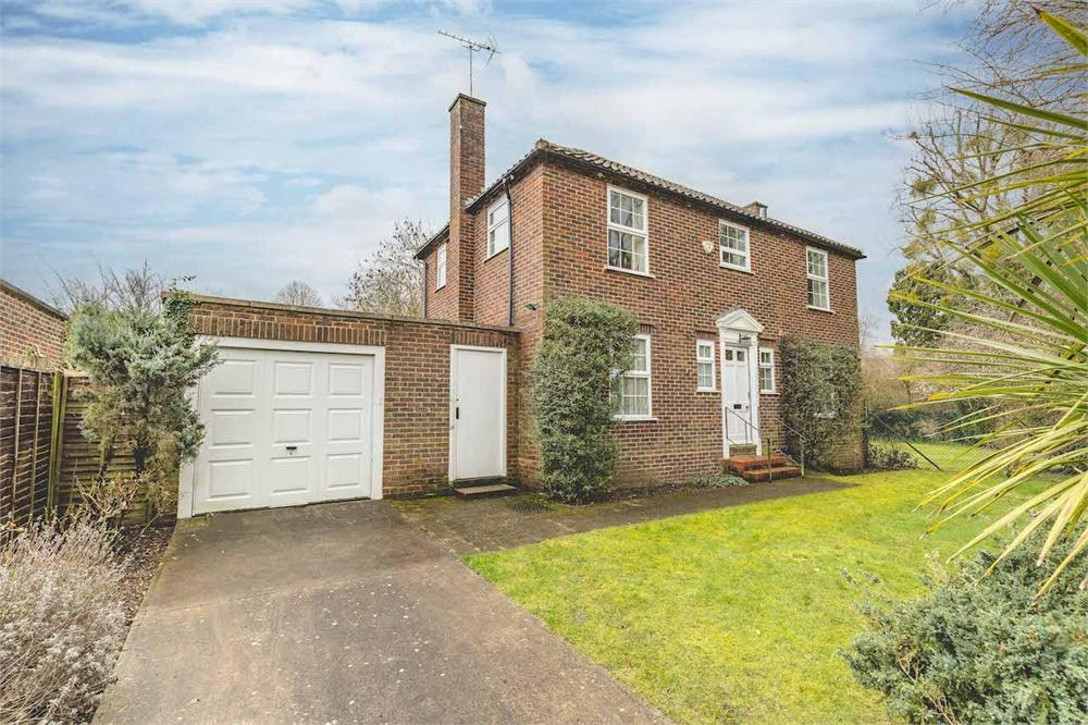 3 bed house for sale in The Paddock, Datchet, Berkshire, Datchet, SL3