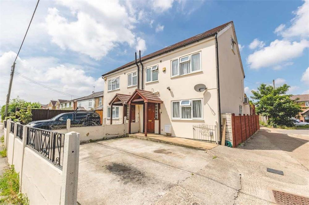 5 bed house for sale in Slough Road, Iver Heath, Buckinghamshire, Iver Heath, SL0