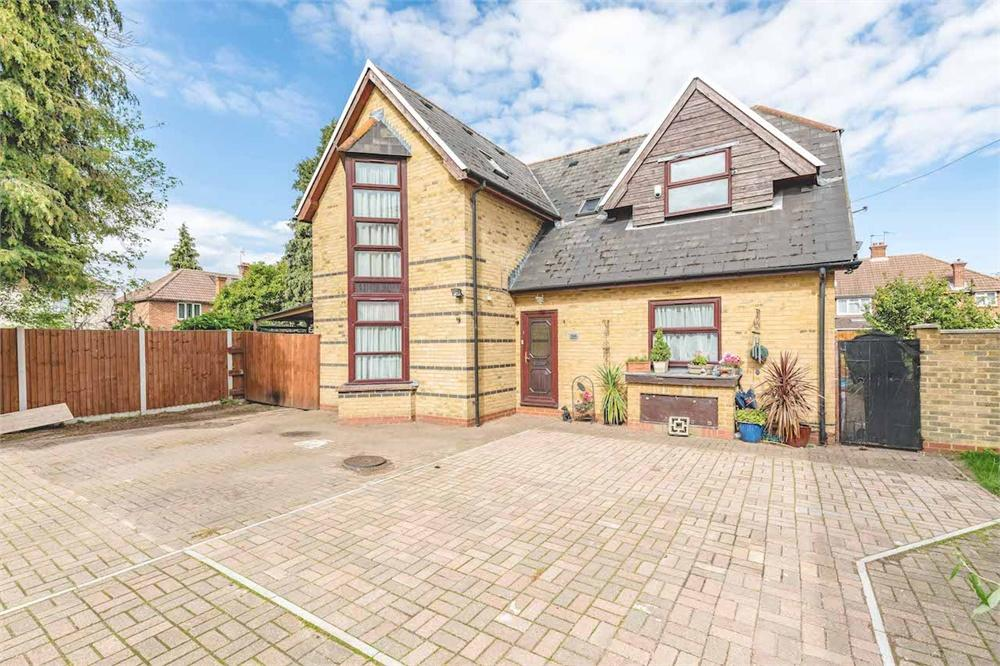 3 bed  for sale in Raymond Road, Langley, Berkshire, Langley, SL3