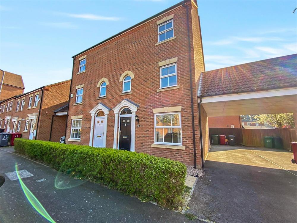 4 bed house to rent in Parsons Road, Langley, Berkshire, Langley, SL3
