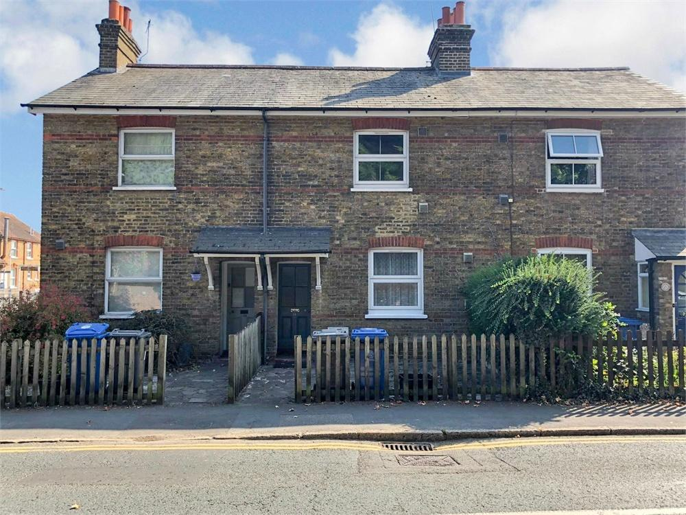 3 bed house to rent in High Street, Datchet, Berkshire, Datchet, SL3