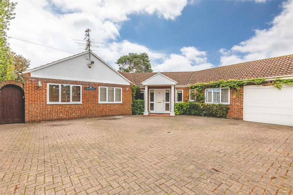 4 bed house for sale in Wexham Woods, Wexham, Buckinghamshire, Wexham, SL3