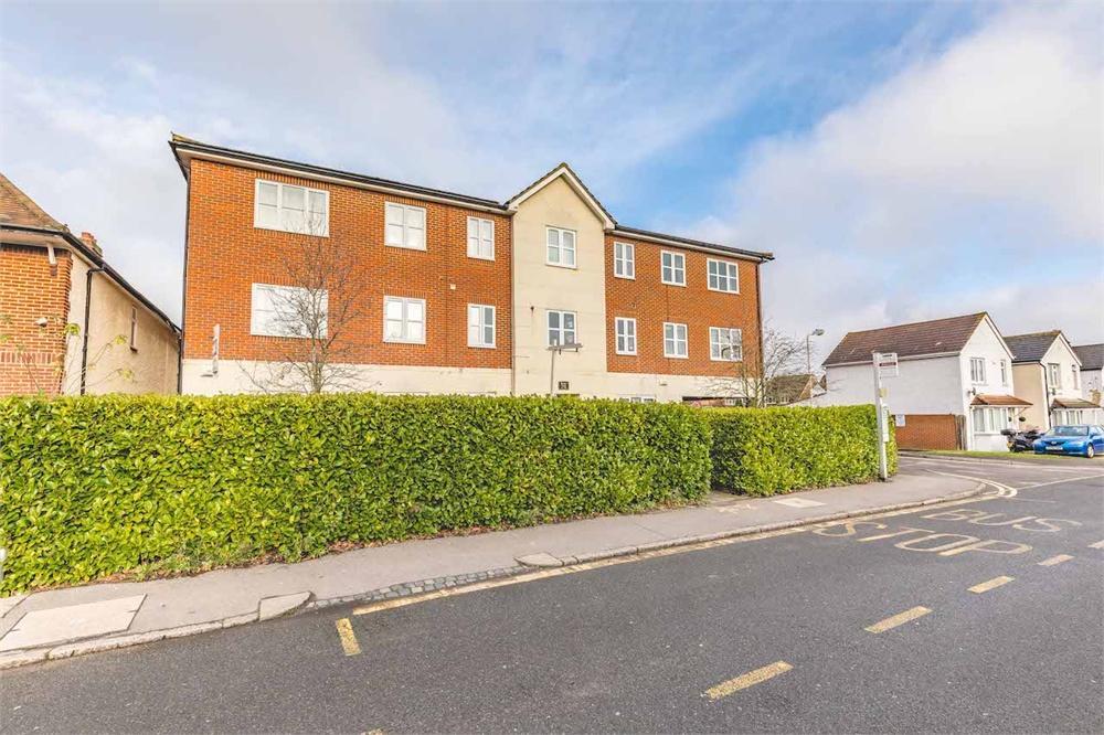 1 bed apartment for sale in Browns Court, Bower Way, Cippenham, Berkshire, Cippenham, SL1