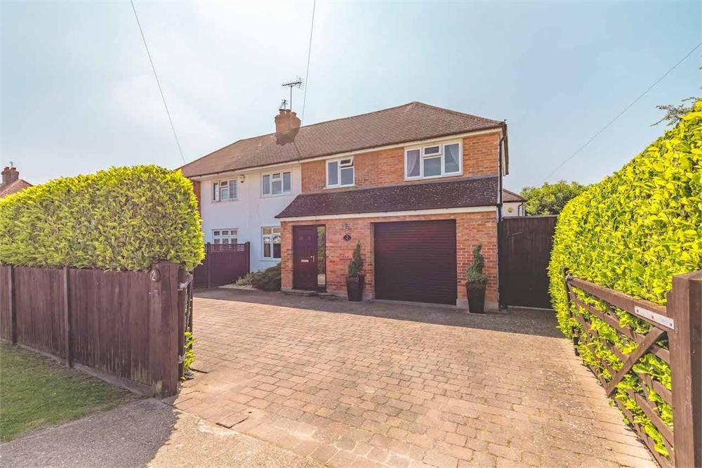 4 bed house for sale in Wendover Road, Burnham, Buckinghamshire, Burnham, SL1