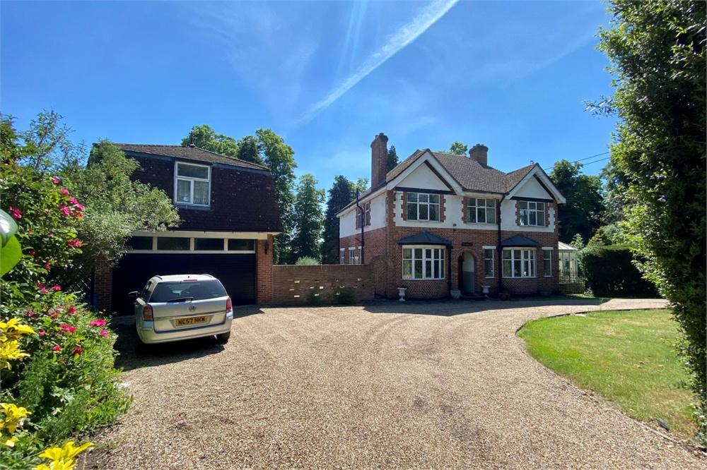 6 bed house for sale in Bangors Road South, Iver, Buckinghamshire, Iver, SL0