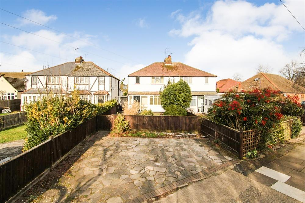 3 bed house to rent in Lawn Avenue, West Drayton, Greater London, West Drayton, UB7