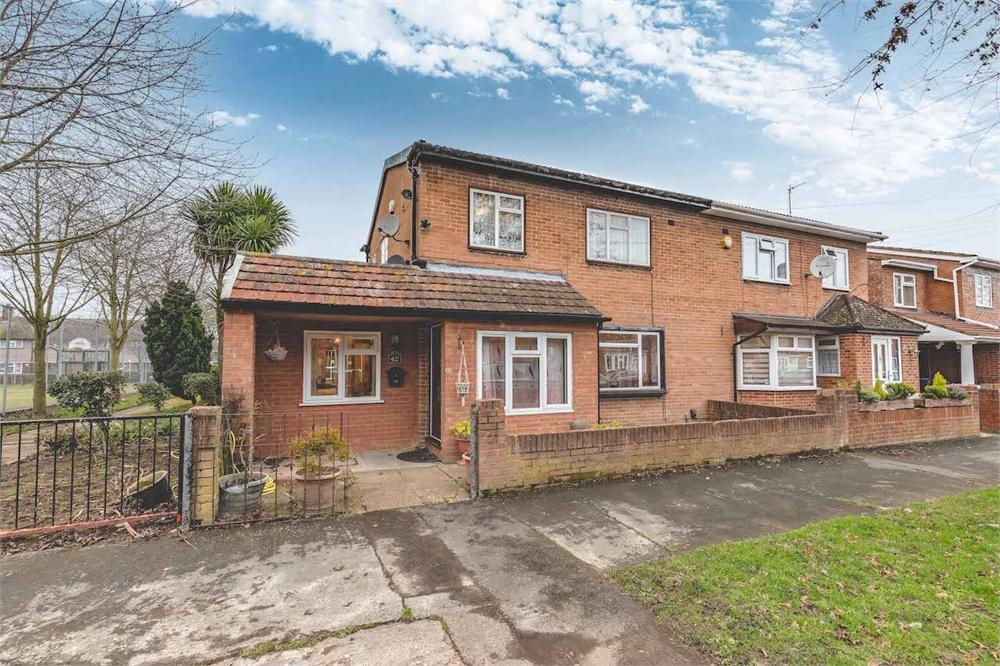 5 bed house for sale in Cromwell Drive, Slough, Berkshire, Slough, SL1